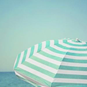 No me hace ninguna ilusión pasar las vacaciones junto al mar. Pero a muchas personas sí que les hace ilusión.
