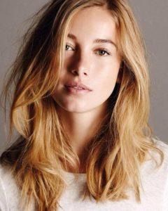 Сложно поверить, но это испанская актриса... Charlotte Vega
